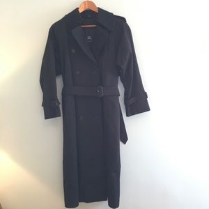 Burberry black belted trench coat, size 6